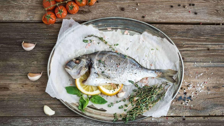 Grilled Salmon with Arugula Salad